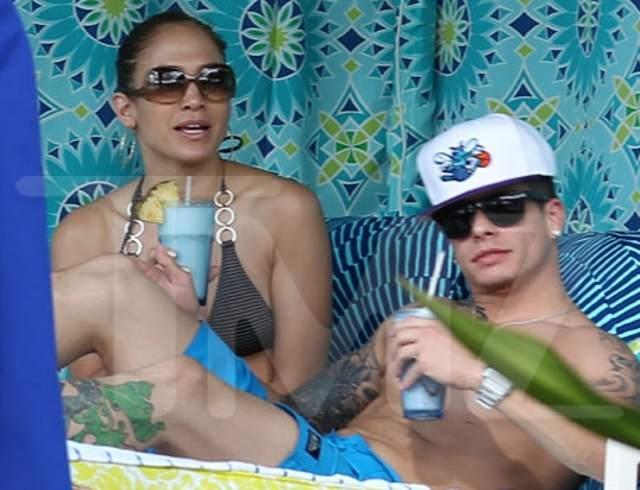 POZE: Jennifer Lopez si noul ei iubit, Casper Smart!