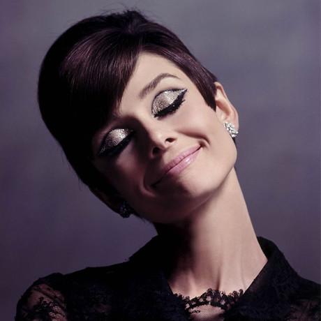 De ce este farmecul lui Audrey Hepburn etern?