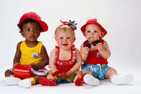 Ce trebuie sa stii inainte de a cumpara hainute pentru bebelusi