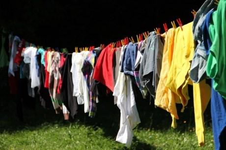 Ce detergent sa folosesc pentru hainele bebelusului?