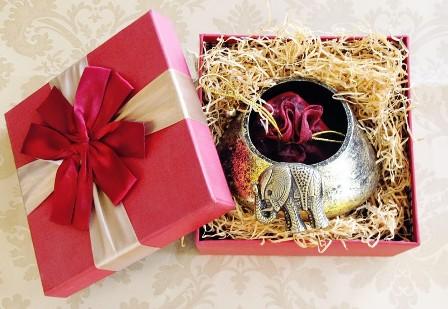 De ce trebuie sa tii cont cand cumperi bijuterii pe care sa le oferi cadou de Craciun
