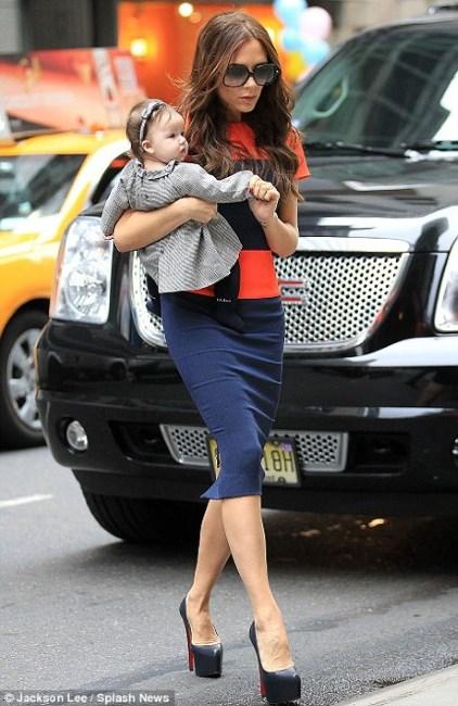POZE: Victoria Beckham, o mamica de invidiat!