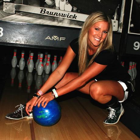 Vrei sa mergi la bowling? Hai sa vezi cum se joaca!
