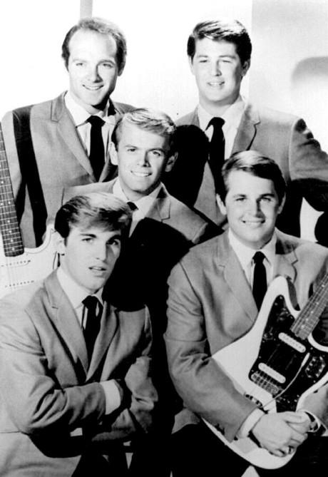 Veteranii The Beach Boys au anuntat ca se reunesc