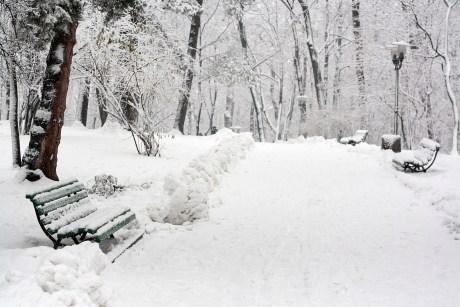 Cum faci sport iarna? 10 sfaturi practice pentru a te mentine in forma si in timpul iernii