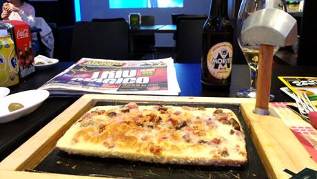 Pizza cu toporul