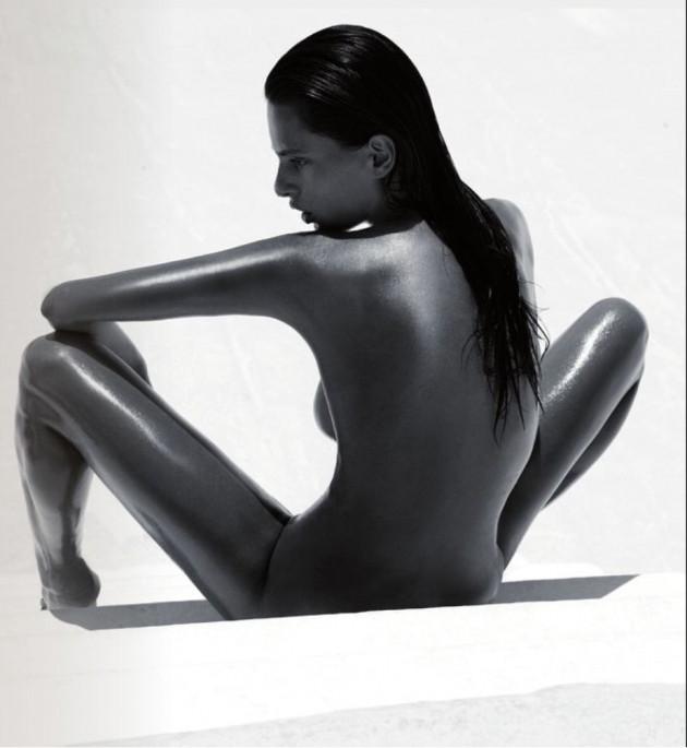 POZE: Catrinel Menghia e super sexy in Schon Magazine!