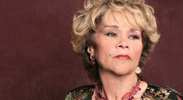 A murit legendara Etta James!