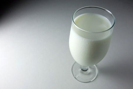 4 beneficii ale laptelui