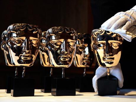 """BAFTA 2012: Filmul """"The Artist"""" in drum spre Oscar. Vezi aici toti castigatorii!"""