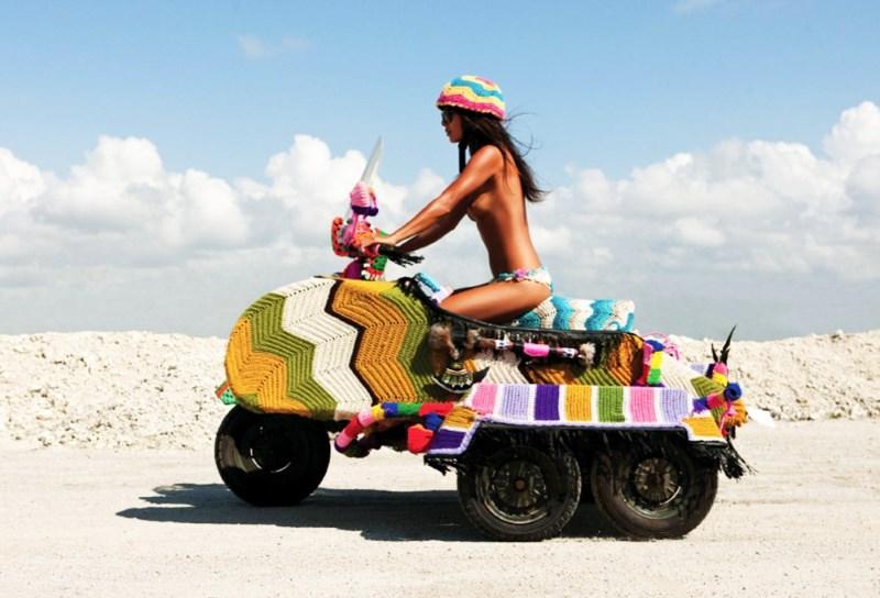 Arta stradala …tricotata!