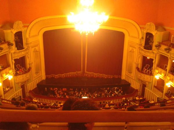 La Traviata in Bucuresti printre pantofi roz si ignoranta