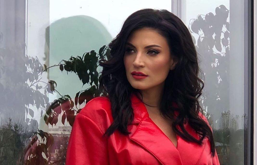 Ioana Ginghina a fost ceruta in casatorie pentru a treia oara
